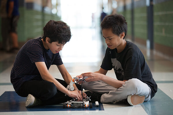 students in STEM activity