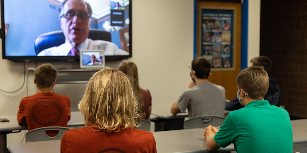 Senator Romney meets with Timpview science team