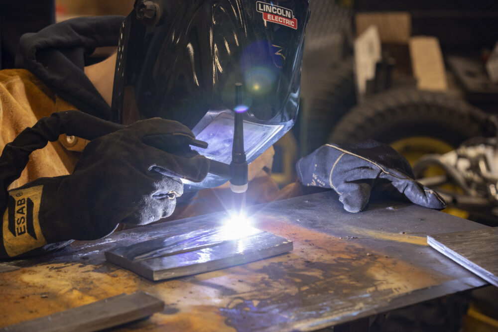 This image has an empty alt attribute; its file name is cte-phs-welding-2019-01-1000x667.jpg